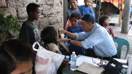 medical clinic 2012 dr lazarte with patients