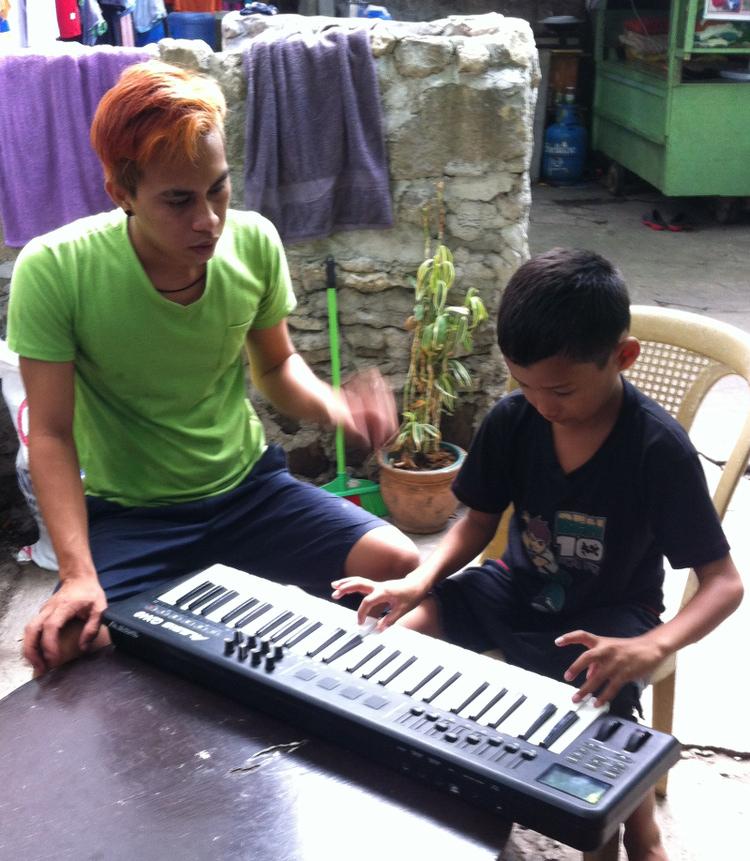 Steven MacMac Abalayan on keyboard SIAC May 2015
