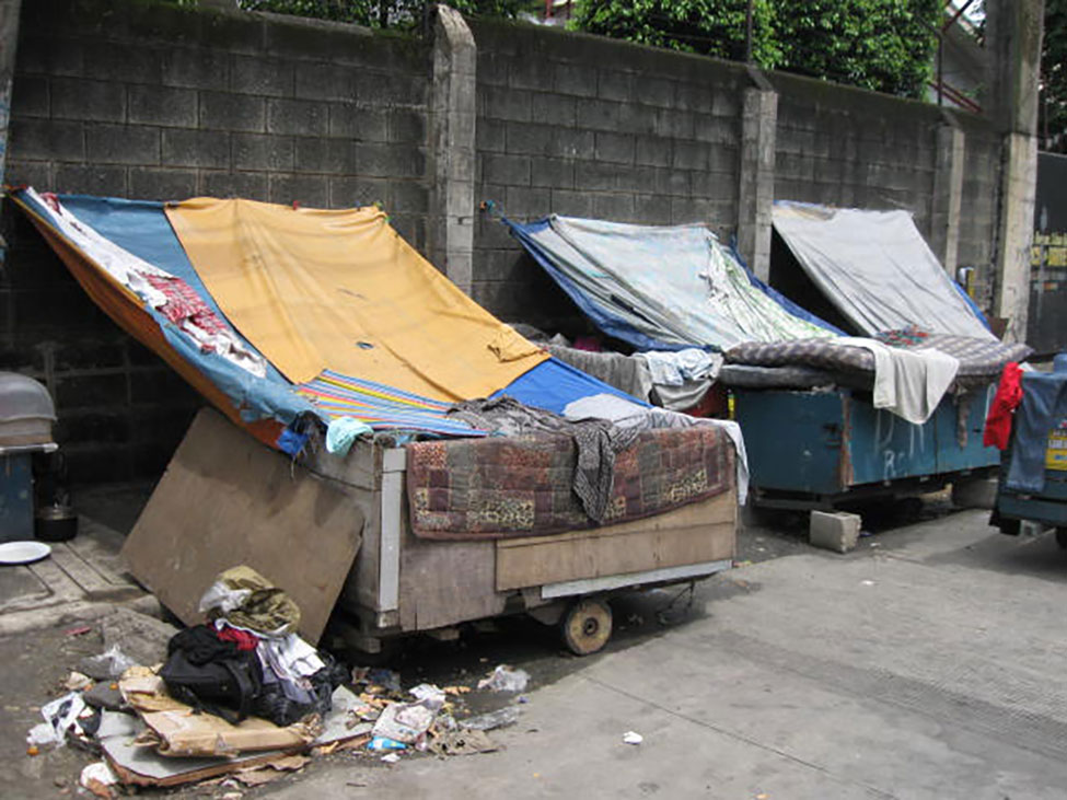 Homeless families - school in a cart - Philippines - Lift the Lid